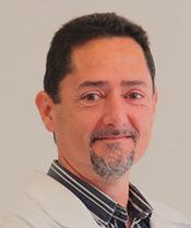 DR. GUSTAVO </br>NOTARI DE </br>MORAES